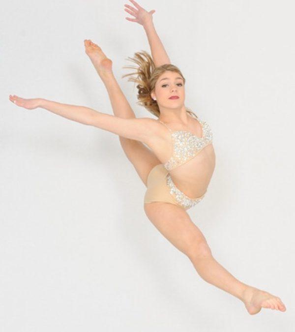 September 2016 Featured Dancer – Lainy Johnston